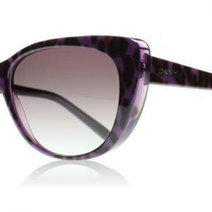 DKNY 4109 361611 Leopardi Violetilla taustalla Aurinkolasit